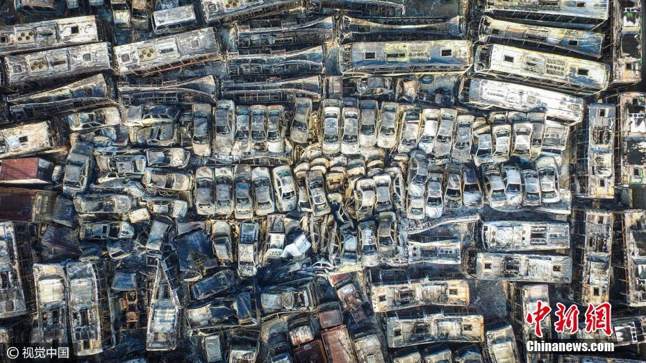 海口6000多辆车一夜之间被烧剩铁架