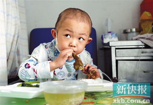 貧困重病患兒住院吃飯不用愁 國內首個食物援助項目啟動