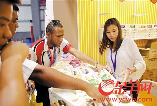 海丝博览会各国参展商的产品引起国际采购商关注