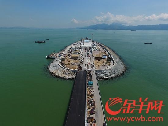 9月28日,港珠澳大桥西人工岛
