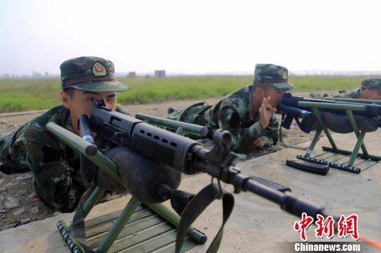 """湖北武警新训团""""加钢淬火""""砺炼5000余新兵"""