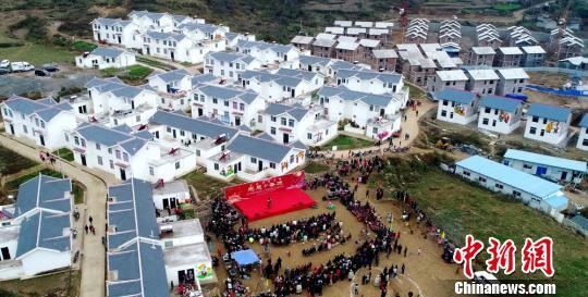 四川甘洛彝族年系列活动吸引各地近万游客