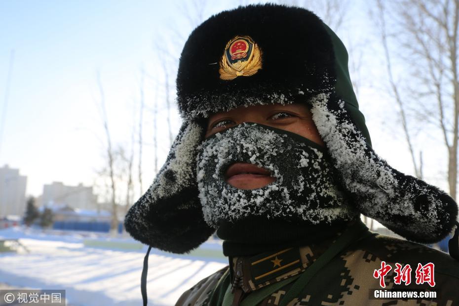 零下30度 呼伦贝尔武警进行高寒野外拉练