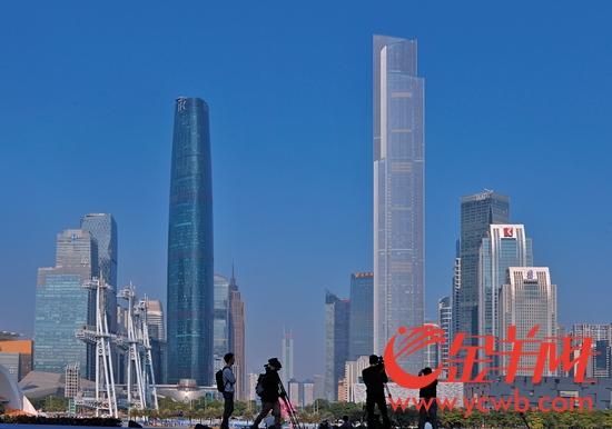 """""""广州蓝""""令市民引以为傲"""