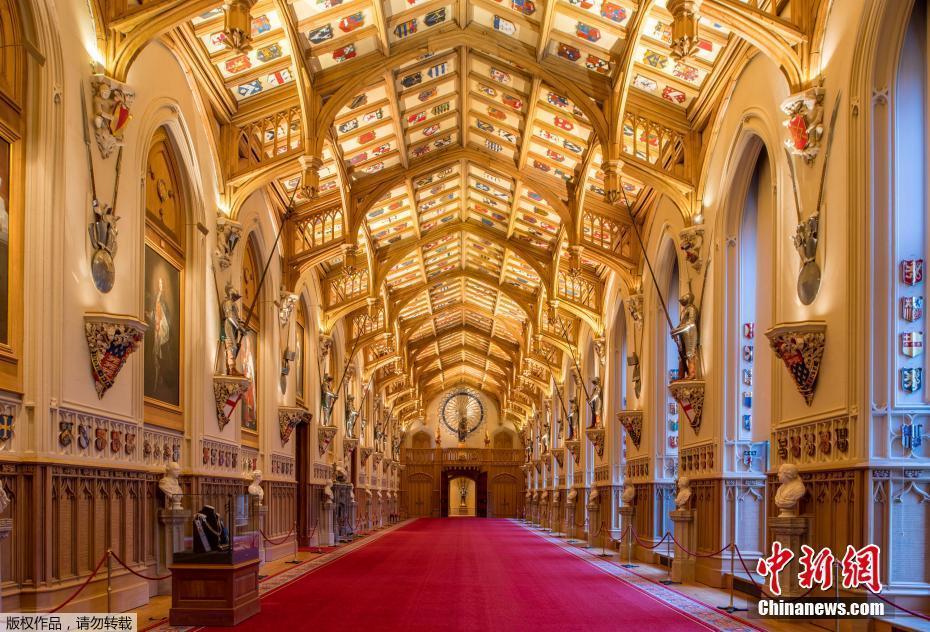 英国圣乔治教堂内景曝光 金碧辉煌将举办哈里王子婚礼