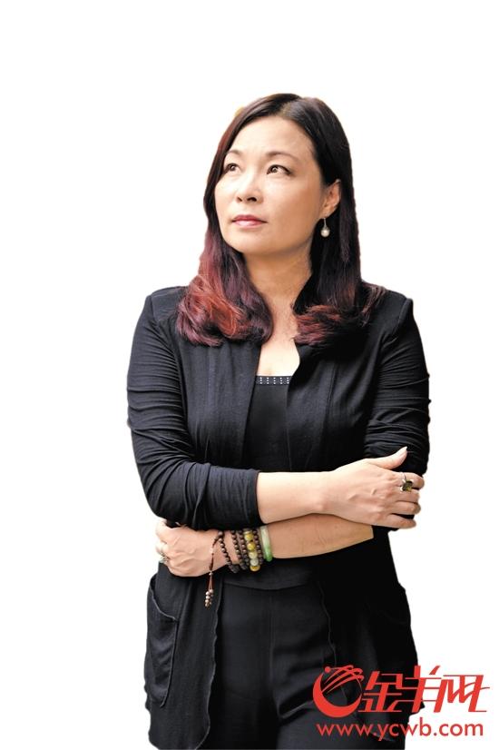 在国内外成功举办时装发布会30余场 文/记者 刘云李焕坤 林诗妍  她力图片