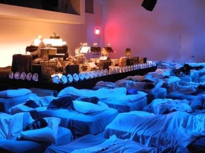 """鼾声就是最热烈的掌声 纽约办""""睡眠""""音乐会"""