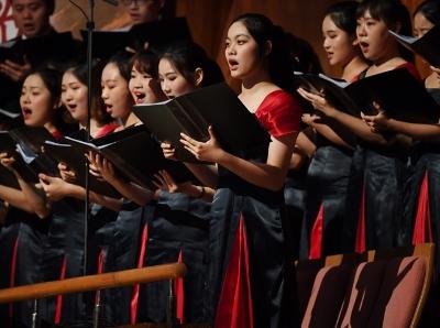 《大江潮》音乐会在广州星海音乐厅上演