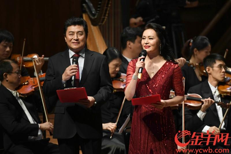 6月7日晚,庆祝改革开放40周年大型交响组歌《大江潮》音乐会在广州星海音乐厅交响乐厅隆重首演,同时也是这部原创作品的世界首演。记者 陈秋明 摄