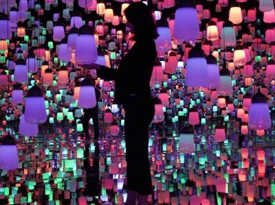 """走進日本""""無邊界""""數字藝術博物館"""