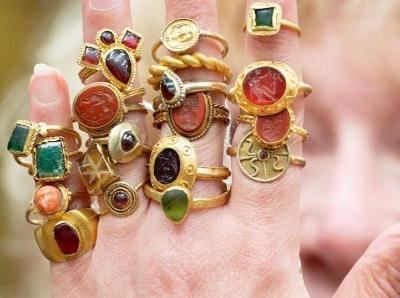 54枚欧洲古董戒指将在英国拍卖 琳琅满目价值连城