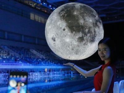 """""""中国版超级月亮""""亮相北京水立方"""