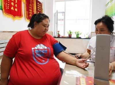 胖妈冒险生子 为照顾儿子励志减肥