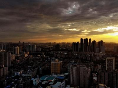落雨前,航拍广州,晚霞靓丽