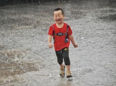大暑到来 大雨清凉登场