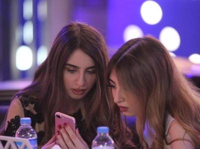 伊拉克现女性餐厅 食客服务员均为女性
