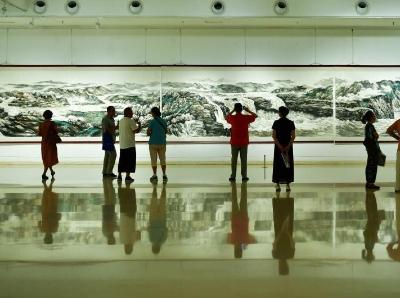 长147米的《民族魂——万里黄河全貌》巨幅画作亮相河北
