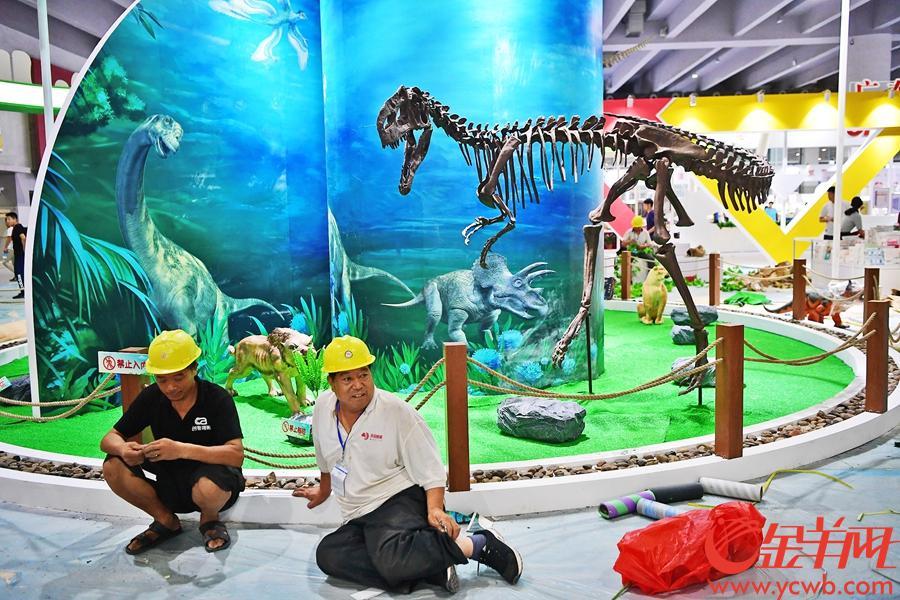 2018南国书香节10号上午开幕,9号下午记者展前探营书香节现场。 图/金羊网记者 邓勃