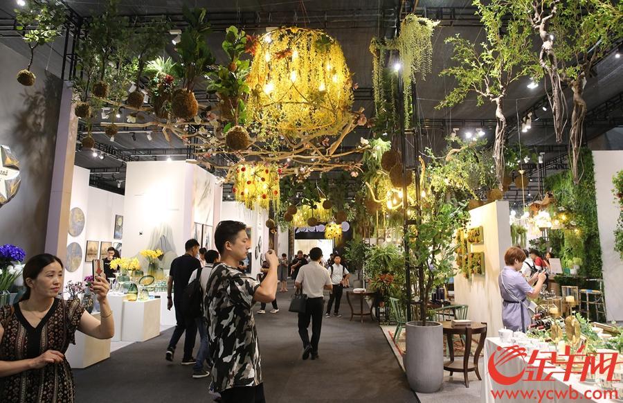 家居展区如同进入绿色世界。沙龙国际网站记者 王俊伟 摄