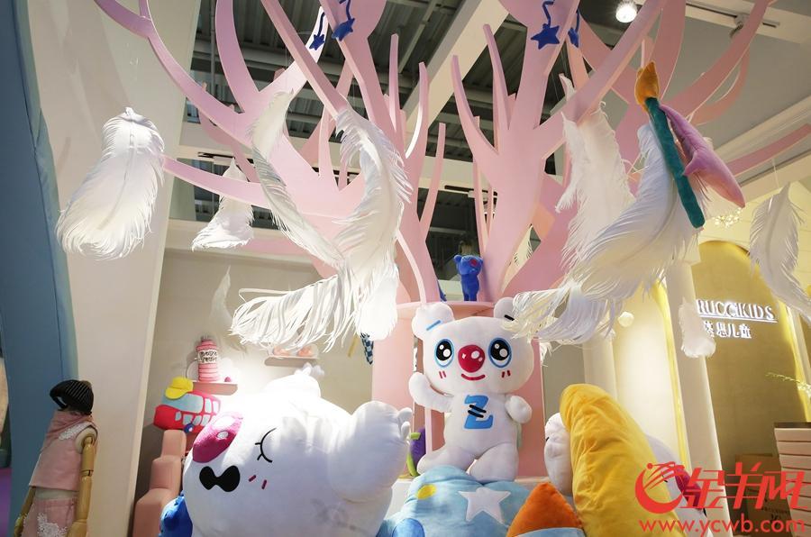 儿童家具参展商将展位布置充满童趣。沙龙国际网站记者 王俊伟 摄