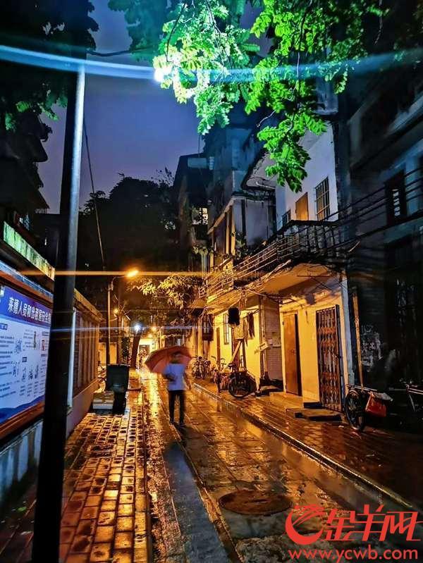 荔湾小巷,江文欣摄