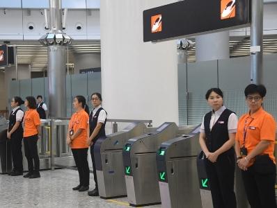 廣深港高鐵(香港段)開通在即 西九龍站工作人員加緊準備