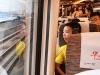 广深港高铁开通 广州首发列车今早出发