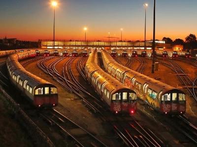 英國倫敦地鐵皮卡迪利線罷工 數萬人出行受影響