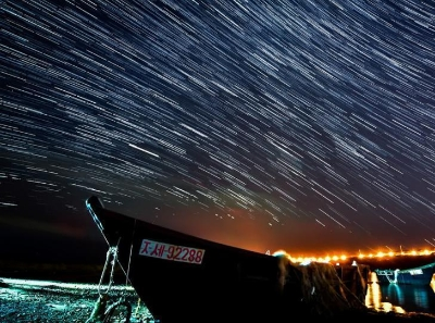 在俄羅斯遠東地區邂逅天龍座流星雨 美不勝收
