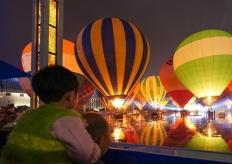 中國熱氣球表演賽暨飛行體驗活動點火儀式在貴州興義舉行