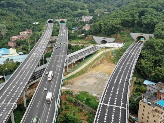 廣州鳳凰山隧道16日正式開通