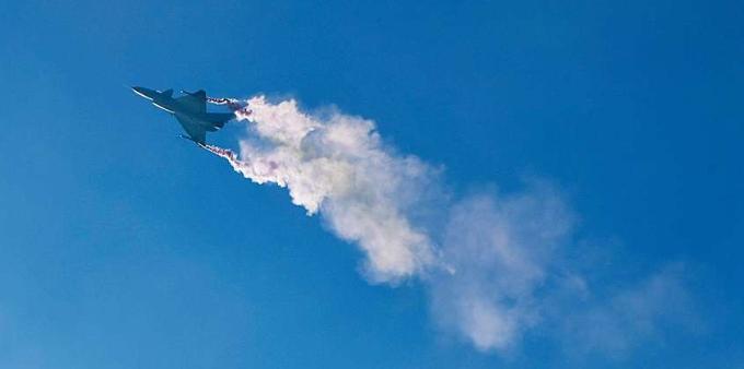 大国重器 声动九霄——珠海航展之歼10B矢量发动机验证机亮相飞行