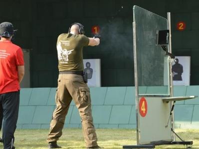 """世界警察手枪射击比赛开幕在即:搜爆犬提前进场清查,""""最强中国队""""阵容公布!"""