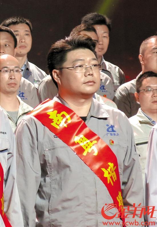 【中国梦・践行者】超级工程的机械工程师 一招将1