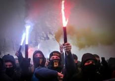 烏克蘭極右翼成員舉行集會活動 抗議軍艦遭俄羅斯扣押