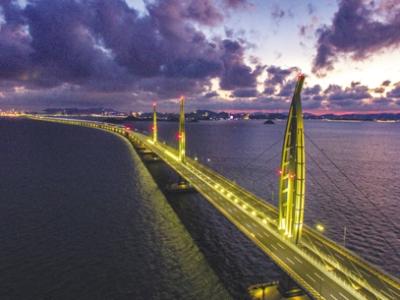 【《龙腾港珠澳》摄影展】一桥飞跃伶仃洋