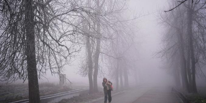 强冷空气袭粤 粤北山区出现大雾冰冻天气