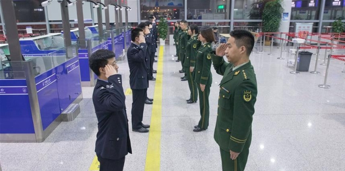 全国出入境边检机关全员统一换装