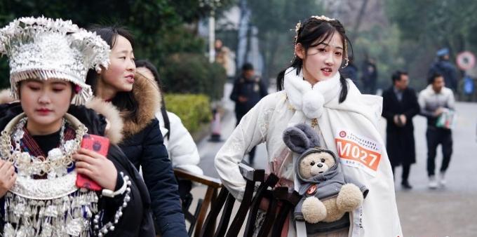 贵州高校艺考 考生们信心满满赴考场