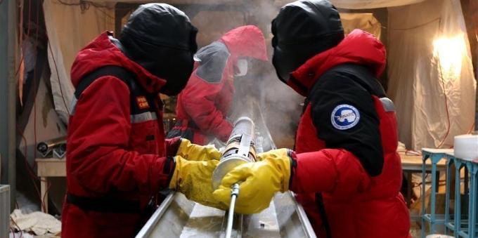 探秘南极冰盖之巅深冰芯房