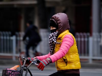 """广州今早""""又冻""""了"""