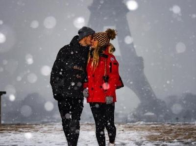 欧洲多地迎大雪天气 纯白世界静谧如画