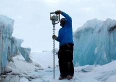英美研究小组发出预警 南极冰架稳定性遭到威胁