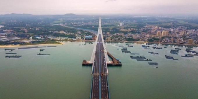我国首座跨地质断裂带跨海桥梁海文大桥完工