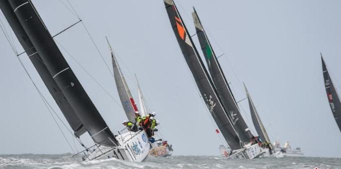 第十届环海南岛国际大帆船赛在海口开赛