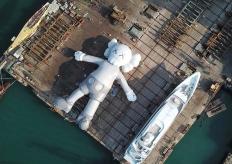 国际知名艺术家KAWS作品COMPANION现身香港