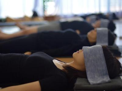 """世界睡眠日 """"睡眠术""""悄然进入瑜伽课堂"""