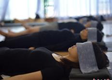 """世界睡眠日 """"睡眠術""""悄然進入瑜伽課堂"""
