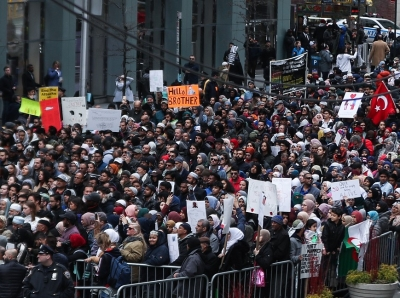 纽约民众集会抗议新西兰清真寺枪击案 反对仇视伊斯兰教