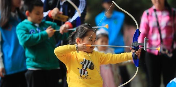 北京游客清明游园 体验传统文化